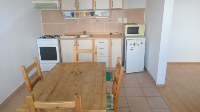 Na prenájom 2 izbový byt, Píniová ulica, Bratislava, Vrakuňa