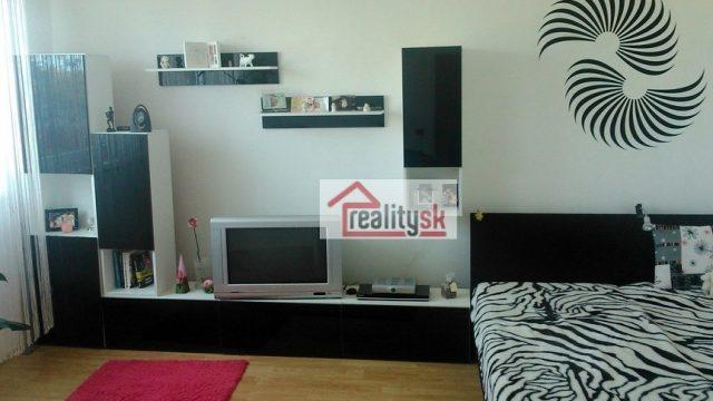 Na prenájom 1 izbový byt, Martinčekova ulica, Bratislava, Ružinov