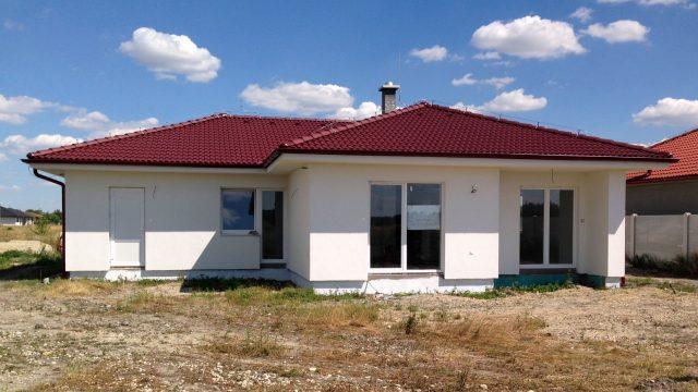 Na predaj 4 izbový rodinný dom s garážou, NOVOSTAVBA,Veľké Uľany