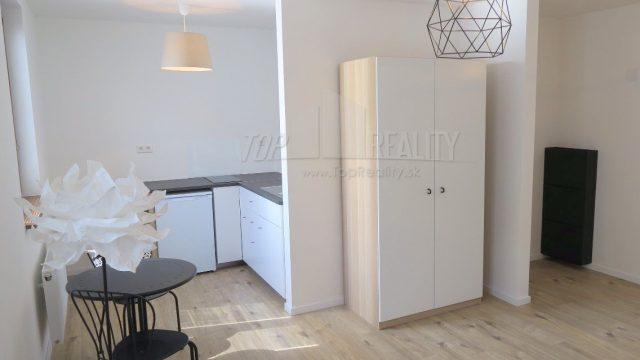 Na prenájom 1 izbový byt, Karpatská ulica, Bratislava, Staré Mesto
