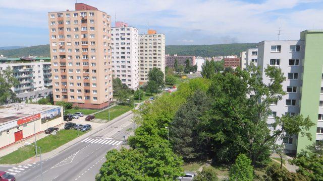 Na predaj 3 izbový byt, Bratislava, Dúbravka, Ožvoldíkova ulica