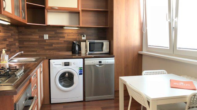 Na prenájom 4 izbový byt, 77 m2, Bratislava, Dúbravka, Cabanova ul.