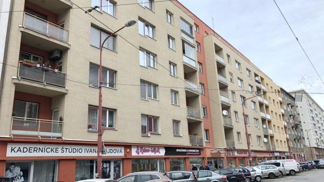 REZERVOVÉ Na prenájom obchodný priestor, Bratislava, Staré Mesto, Krížna ul.
