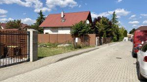 REZERVOVANÉ Na predaj pozemok, so stavebným povolením, Zálesie, Tichá ulica