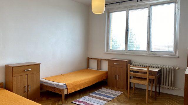 Podnájom izby v 2 izbovom byte, Bratislava, Ružinov, Rumančeková ul.
