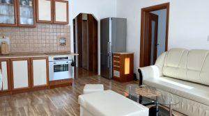 Na prenájom 2 izbový byt, Bratislava, Petržalka, Holíčska ulica