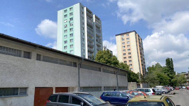 PREDANÉ Na predaj samostatná garáž 19,64 m2, Bratislava, Karlova Ves, Púpavova ul.