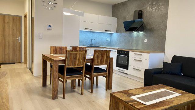 REZERVOVANÉ Na prenájom 2 izbový byt, Bratislava, Ružinov, Mlynské Nivy, NUPPU
