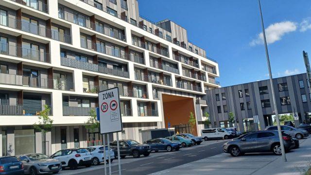 Na prenájom novostavba 1 izbový byt, 28 m2, Bratislava, Petržalka, Slnečnice